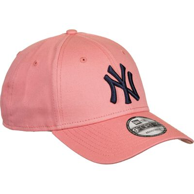 League Essential 49 NY Yankees